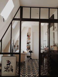 salle de bain bathroom baignoire Nadine & Matthieu's Stylish Duplex Apartment in Paris.