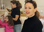 Jennifer Garner and her middle child, daughter Seraphina, have a one-on-one day out together in Venice Beach. The two do some shopping, strolling, and candy buying. Saturday, March 12, 2016  X17online.com