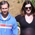 Anne Hathaway's Massive Baby Bump Leads This Weekends Hottest Star Sightings