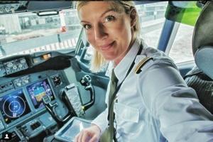 Берем пример: девушка пилот Maria H Pettersson