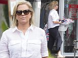 March 15, 2016: Samantha Armytage picking up her dry cleaning in Double Bay. Sydney, Australia. EXCLUSIVE. Mandatory Credit: INFphoto.com Ref: infausy-17/67