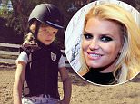 Jessica Simpson daughter.jpg