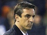 epa05223140 Valencia's English head coach Gary Neville (L) reacts during the Spanish Primera Division soccer match between Valencia CF and Celta Vigo at Mestalla stadium in Valencia, eastern Spain, 20 March 2016.  EPA/MIGUEL ANGEL POLO