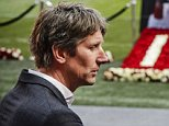 epa05231652 Former internationals Edwin van der Sar (L) and Sjaak Swart pay their respect to Johan Cruyff on the field in the Amsterdam Arena, Amsterdam, The Netherlands, 26 March 2016. Cruyff died of cancer at the age of 68, as announced on his official website on 24 March 2016.  EPA/Remko de Waal