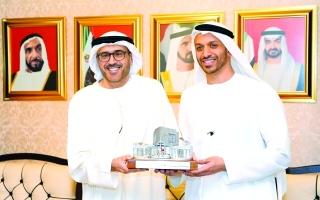 محاضرة في «الإمارات للدراسات» عن أهمية القراءة