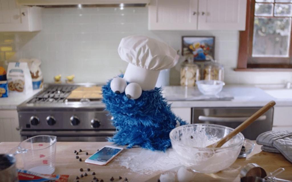 """Cookie Monster iPhone 6S"""