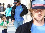 03 April 2016 - Los Angeles - USA\n**STRICTLY NOT AVAILABLE FOR MAIL ONLINE**\n*EXCLUSIVE ALL ROUND PICTURES*\nAmerican actor Owen Wilson (47) is seen shopping in Santa Monica, Los Angeles with his 5 year old son Robert Wilson\nByline Must Read: XPOSUREPHOTOS.COM\n** UK clients please pixelate children's faces prior to publication**\nFor content licensing please contact:\nXposure Photos\npictures@xposurephotos.com\n 44 (0) 208 344 2007