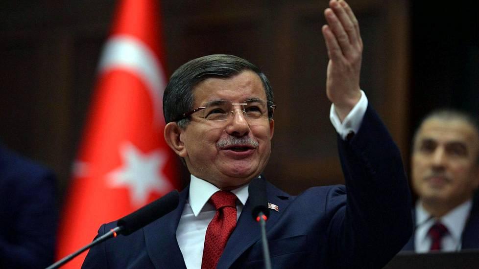 Turkin pääministeri Ahmet Davutoglu on AKP:n puolueen puheenjohtaja.