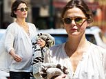 EXCLUSIVE: Pregnant Keri Russell spotted out and about in New York City, New York on April 13, 2016.\n\nPictured: Keri Russell\nRef: SPL1260169  130416   EXCLUSIVE\nPicture by: GSNY / Splash News\n\nSplash News and Pictures\nLos Angeles: 310-821-2666\nNew York: 212-619-2666\nLondon: 870-934-2666\nphotodesk@splashnews.com\n