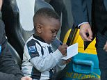 April 19th 2016 - Newcastle, UK - NEWCASTLE V MAN CITY- Newcastle Benitez ask child for autograph Man City PIcture by Ian Hodgson/Daily Mail