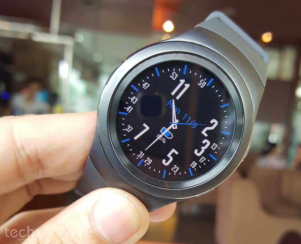 Đồng hồ Samsung Galaxy Gear S2 xách tay qua sử dụng