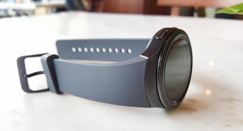 Đồng hồ thông minh Samsung Galaxy Gear S2 xách tay