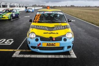"""Dainius Matijošaitis ir Jonas Poškus gavo po apdovanojimą """"Autoplius Fast Lap"""" varžybose Estijoje"""