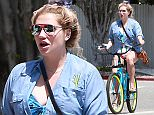 151335, EXCLUSIVE: Kesha and her boyfriend Brad Ashenfelter go for a bicycle ride on their beach cruisers. Los Angeles, California - Sunday May 1, 2016.  Photograph: ©  PacificCoastNews. Los Angeles Office: +1 310.822.0419 UK Office: +44 (0) 20 7421 6000 sales@pacificcoastnews.com FEE MUST BE AGREED PRIOR TO USAGE