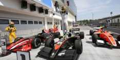 Cecotto Jr. gets first V8 3.5 win in Hungary