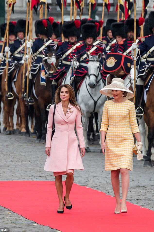 Although Queen Rania arrived last night, the state visit did not officially begin until this morning with a red carpet ceremony at the Royal Palace in Brussels