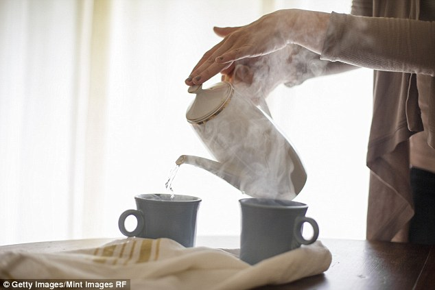 Simple: You can also use the steam from the kettle for smaller areas on your clothes