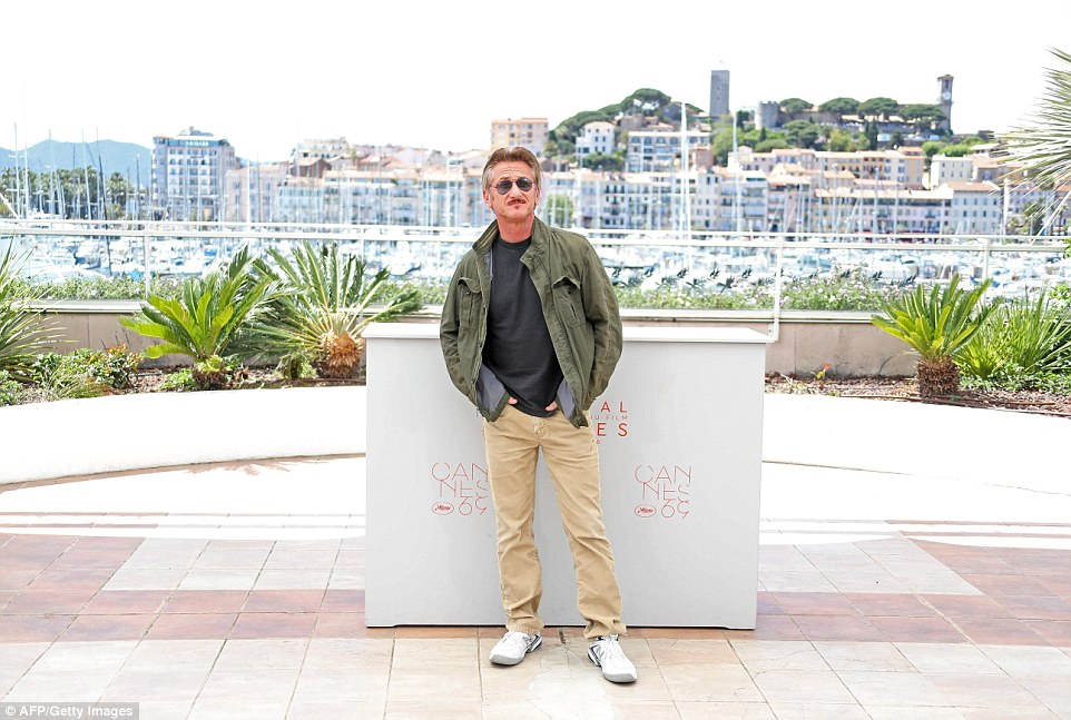 So very solo: Director Sean looked cool in trainers and a khaki jacket, brushing off any drama with ease