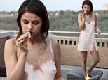 selenagomez_eating.jpg