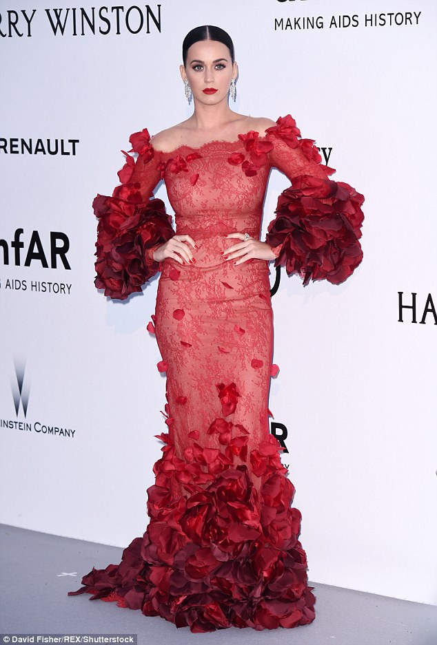 Hello petal!Featuring dramatic ruffled sleeves and and an exquisite floral hemline, the Roar hitmaker ensured she pulled out all the stops at the prestigious event