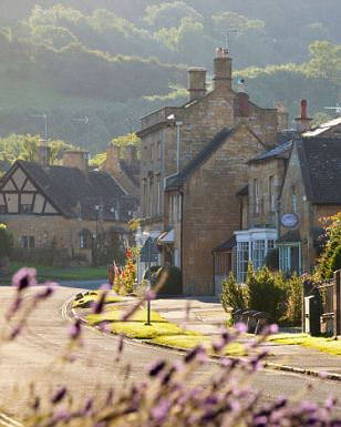 Cotswold cottages, Broadway, Worcestershire, Cotswolds, England, UK