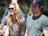 Brentwood, CA - Heidi Klum and Mark Wahlberg head to their kids soccer game at the same park. The two are seen supporting their kids play soccer with their friends standing side by side.    AKM-GSI      May 21, 2016 To License These Photos, Please Contact : Steve Ginsburg (310) 505-8447 (323) 423-9397 steve@akmgsi.com sales@akmgsi.com or Maria Buda (917) 242-1505 mbuda@akmgsi.com ginsburgspalyinc@gmail.com