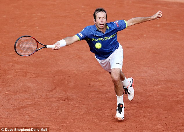 Stepanek, who first face Murray at Wimbledon in 2005, continues to cause the Scot problems in the next set