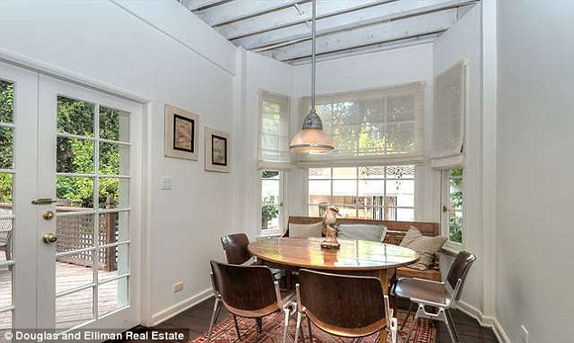 Casual: The breakfast room gets bathed in morning light