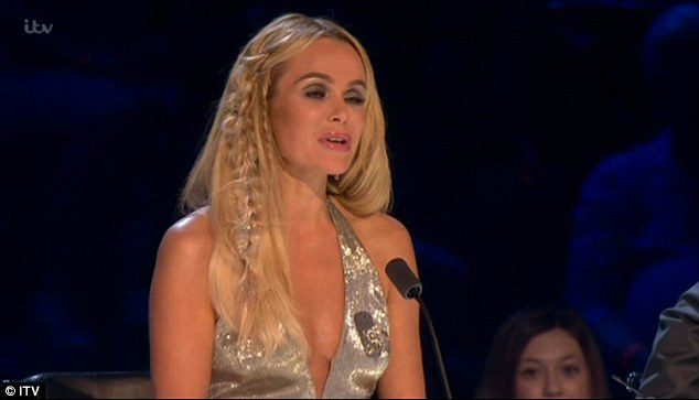 'I absolutely love you and thank you for all of your comments about me this week,' she gushed with a glimmer in her eye