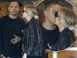 EXCLUSIVE: Singer Ashlee Simpson gives her husband Evan Ross a kiss while they shop at 'Urban Outfitters' retail store in Los Angeles. Ashlee carried her retail bag along with her 'Lanvin' Sugar Small Pearls Wallet-on-Chain purse. \n\nPictured: Evan Ross, Ashlee Simpson\nRef: SPL1288759  230516   EXCLUSIVE\nPicture by: Bello/Splash News\n\nSplash News and Pictures\nLos Angeles: 310-821-2666\nNew York: 212-619-2666\nLondon: 870-934-2666\nphotodesk@splashnews.com\n