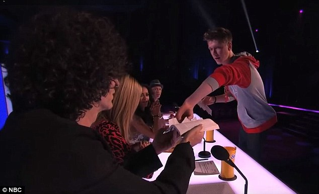 Looks familiar? Collins performed his book trick on Season 8 of America's Got Talent in 2013