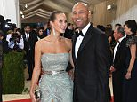 """NEW YORK, NY - MAY 02:  Hannah Davis (L) and Derek Jeter attend the """"Manus x Machina: Fashion In An Age Of Technology"""" Costume Institute Gala at Metropolitan Museum of Art on May 2, 2016 in New York City.  (Photo by Larry Busacca/Getty Images)"""