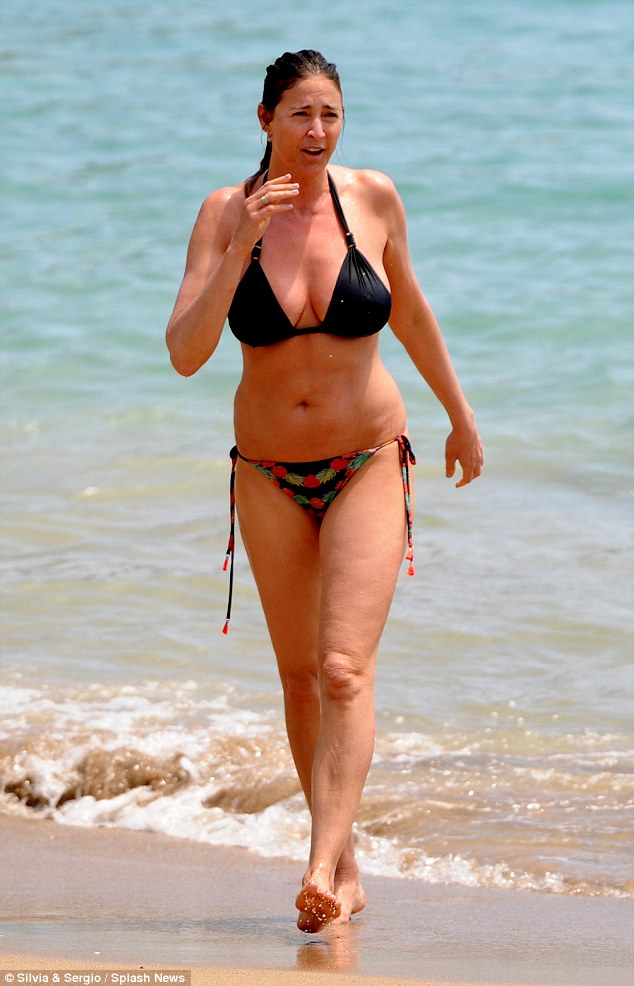 She's still got it! While more than two decades have past since she first started sashaying down the catwalks, Lisa Snowdon proved that, even at 44, there is still plenty more where that came from as she showed off her beach body in Ibiza on Monday