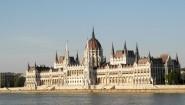 Das Parlament in Budapest (Alkimos Sartoros/dpa)