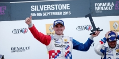 Rowland 'in contact with two F1 teams'