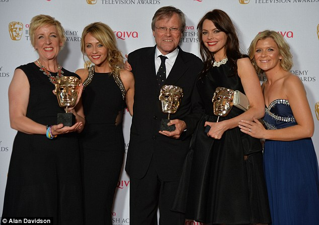 Another win Coronation Street picked up their 10th BAFTA with Julie Hesmondhalgh, Samia Ghadie, David Neilson, Kate Ford and Jane Danson collecting the Best Soap Award