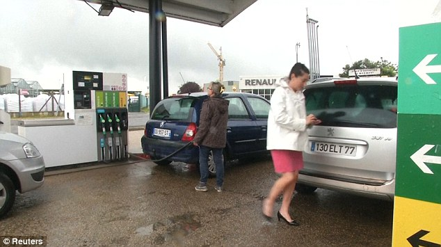 Despite the mad rush to petrol stations throughout France, the government believes the problem will be solved
