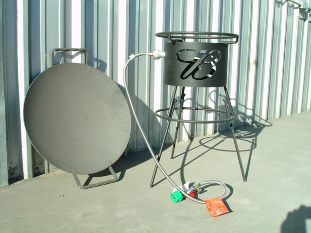 Southwestern outdoor cookers