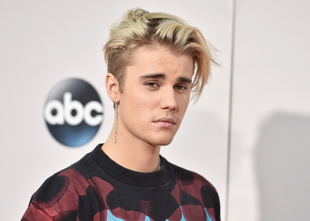FILE - In this Sunday, Nov. 22, 2015 file photo, Justin Bieber arrives at the American Music Awards at the Microsoft Theater in Los Angeles. A singer songwri...
