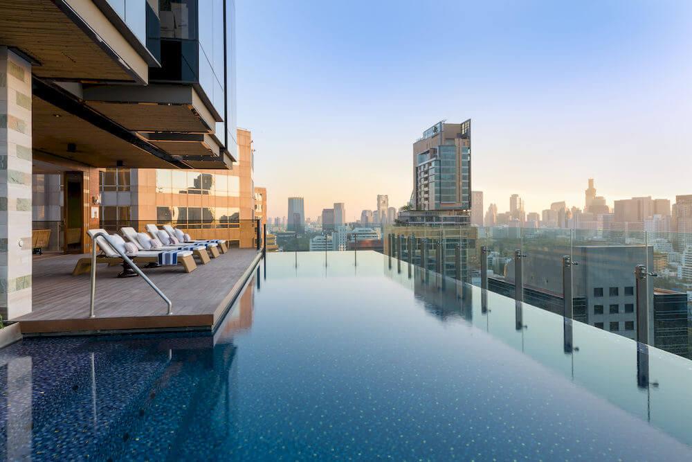 piscine-toit-hotel-indigo-bangkok