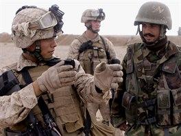 Výcvik afghánských jednotek vojáky ISAF. Ilustrační foto.