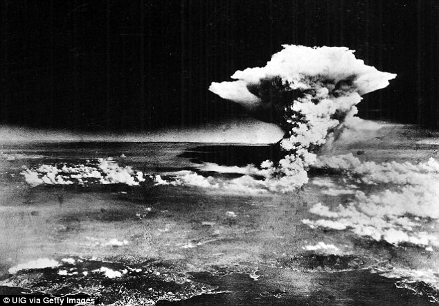 Prior to using this idot looks, pilots would drop bombs from the operational ceiling ¿ the highest level of flight. The bomb that hit Hiroshima (pictured) in 1945 was dropped from 31,000 feet above the city