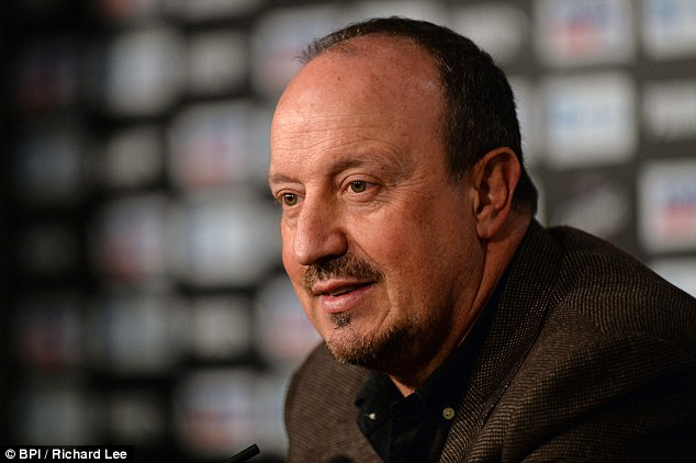 Rafa Benitez has agreed a new three-year contract to remain at Newcastle despite the Magpies' relegation