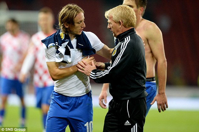 Respect: Scotland manager Gordon Strachan (right) shakes hands with Croatia star Luka Modric at full time