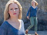 EXCLUSIVE TO INF.\nJune 17, 2016: Beach casual for Kristin Bell and co stars as they film scenes for a movie in Malibu, CA.\nMandatory Credit: Borisio/INFphoto.com Ref.: infusla-277