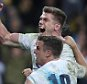 MELBOURNE, AUSTRALIA - JUNE 18:  Owen Farrell of England celebrates with team mate George Ford after scoring the winning try during the International Test match between the Australian Wallabies and England at AAMI Park on June 18, 2016 in Melbourne, Australia.  (Photo by David Rogers/Getty Images)