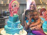 khloe-girls-cake.jpg