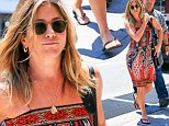 June 20, 2016: Jennifer Aniston is seen shopping in Soho, New York City. Mandatory Credit: PapJuice/INFphoto.com infusny-286