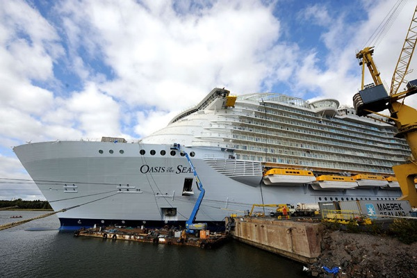oasis_of_the_seas_03.jpg