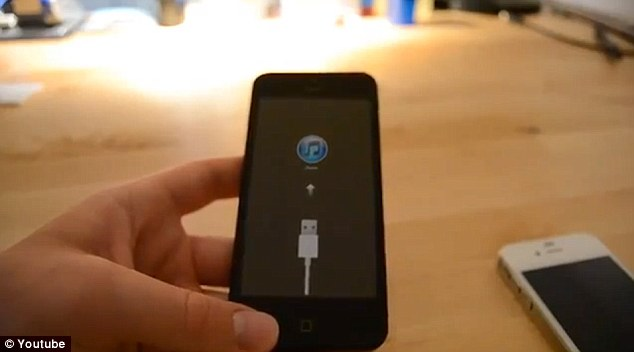 The video, first spotted by a Dutch website, shows an iPhone with a 4 inch screen being switched on and displaying the Apple logo, then a prompt to plug it in.